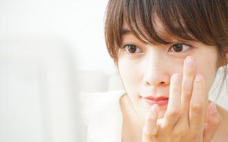訪問前の5分で印象&自信アップ。真夏の化粧崩れ対処法